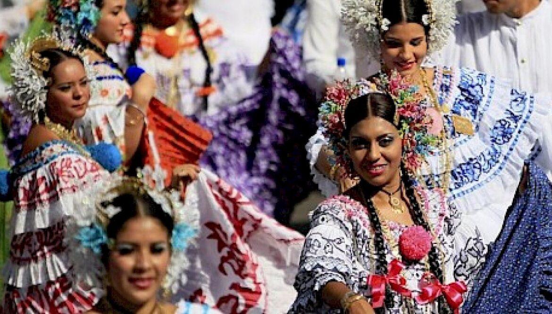 Desfile Patrios en la Villa de Los Santos